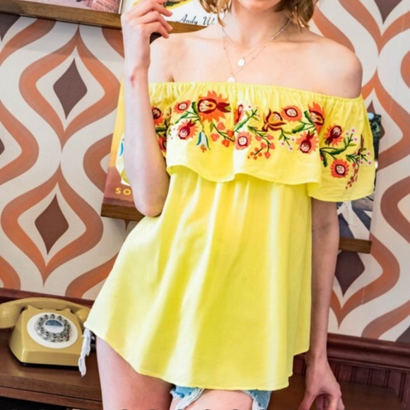 Davi and Dani Tops - LAST ONE!!! Yellow Off the Shoulder Top